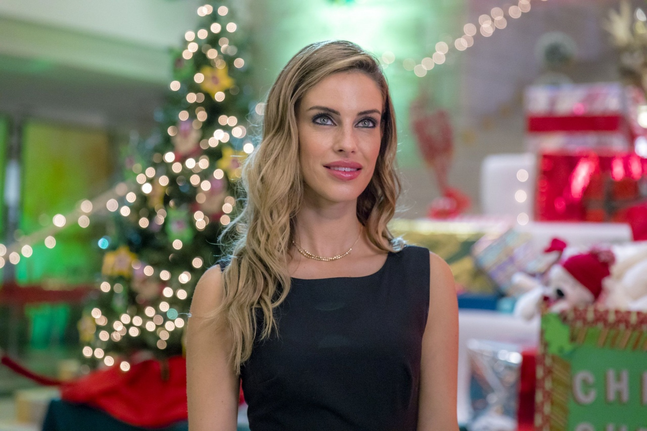 Ice Sculpture Christmas.Ice Sculpture Christmas Hallmark Movie Jessica Lowndes In